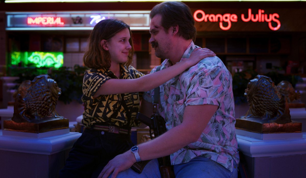 stranger things season 3 eleven hopper hug mall netflix