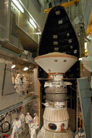 NASA Delays Mars Probe's Launch, Eyes Shuttle Cabin Leak
