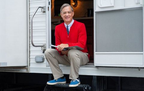 Tom Hanks unveils his Mister Rogers at Toronto festival