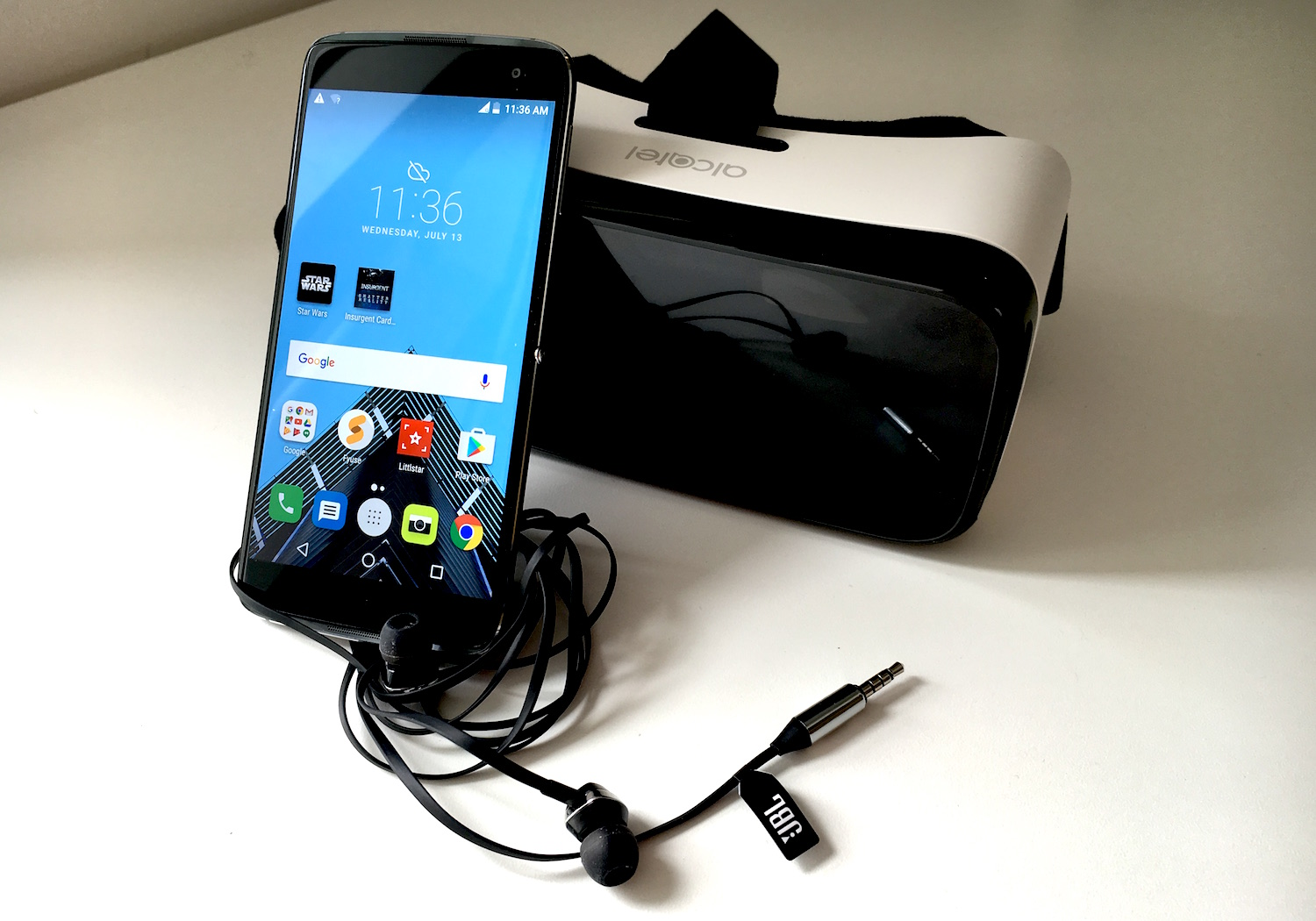 Alcatel Idol 4S Bundle: Phone, VR Headset and More for $349