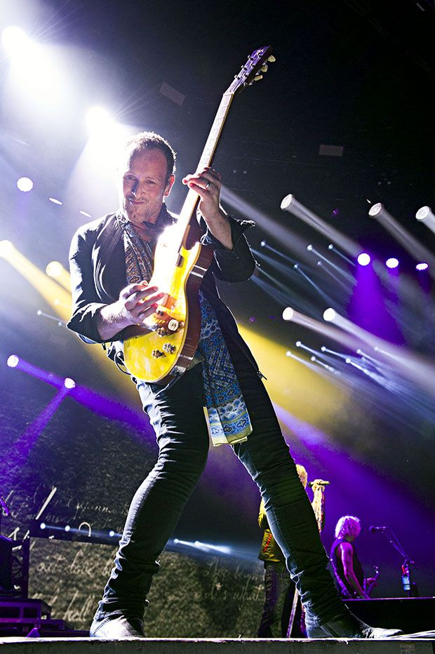 Vivian Campbell Discusses New Albums By Def Leppard And Last In Line