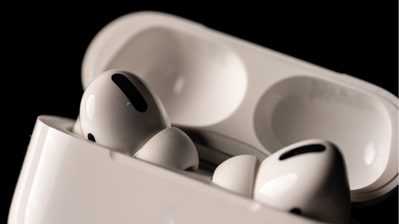 Apple Headphones 2020 Which Airpods Or Beats Are Right For You Techradar
