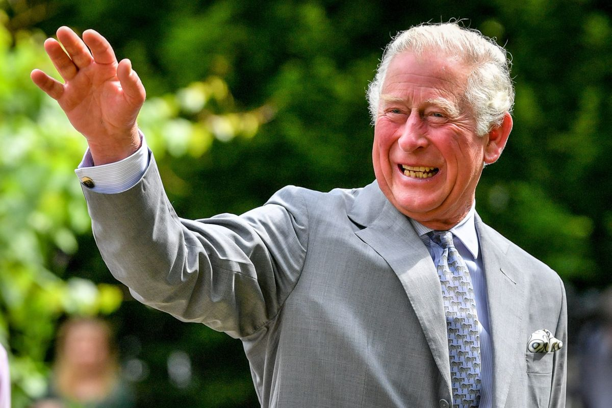 Prince Charles warms hearts with rare throwback snap with his two sons
