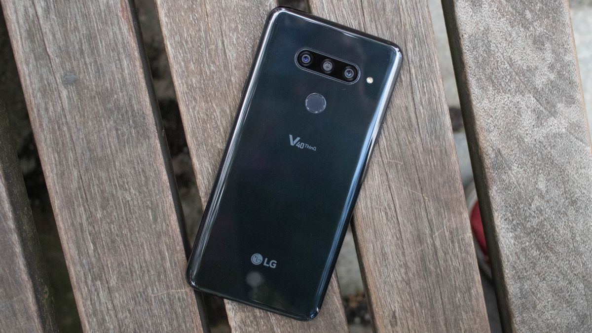 LG V40 ThinQ vs Galaxy Note 9 | TechRadar