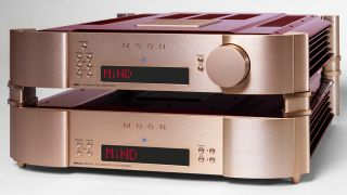 The system comprises Moon's 680D streaming DAC and 600i v2 integrated amplifier