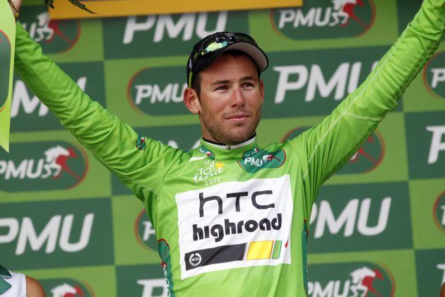 Mark Cavendish on podium, Tour de France 2011, stage 16