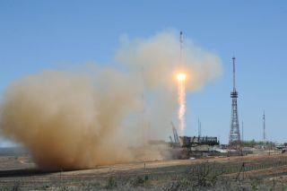 Russia's Robotic Progress 59 Cargo Ship Blasts Off