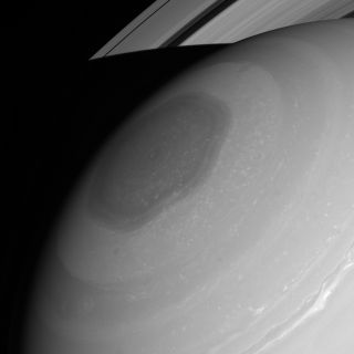 Saturn's Polar Vortex Stuns in New Photo | Space