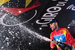 Alejandro Valverde in the Giro di Sicilia's leader's jersey