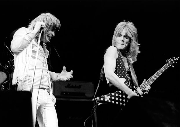 How to Play Rapid-Fire Hard Rock Licks in the Styles of Five Eighties Shred Gods