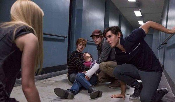 The New Mutants panic in a hospital hallway