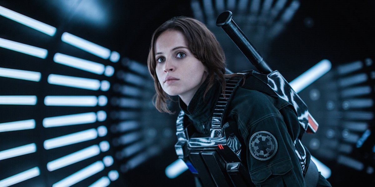 Jyn Erso impersonating an imperial officer