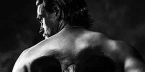 The Reason Charlie Hunnam Looks Way Less 'Jaxed' In His New Boxing Movie