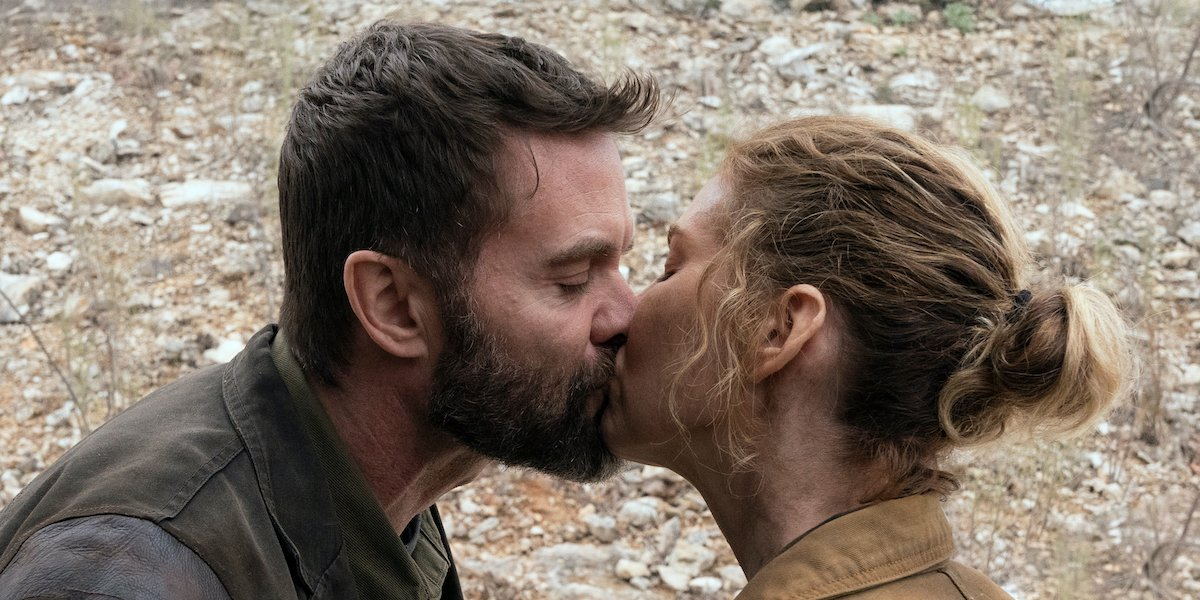 john and june kissing on fear the walking dead season 6