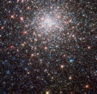 Hubble Telescope Reveals What 200 Billion Stars Look Like (Photos)
