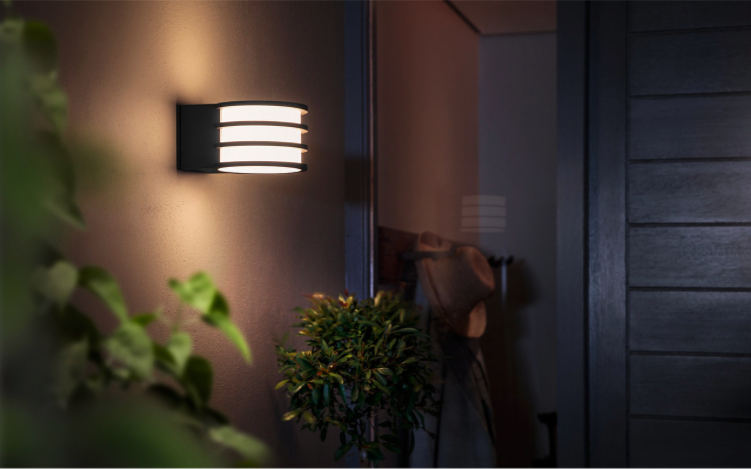 Philips Hue outdoor Tuar wall lights
