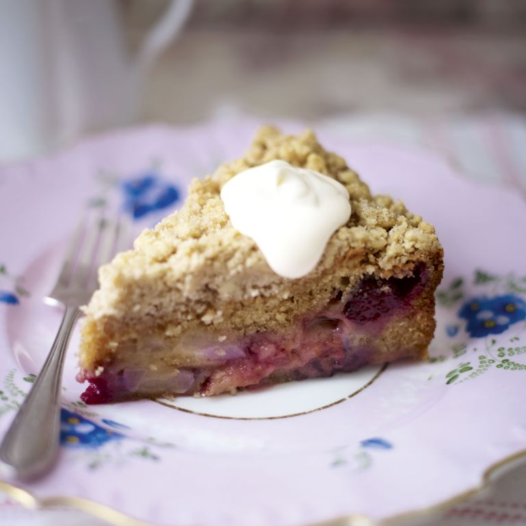 Autumn crumble cake with strousel topping-baking-woman and home