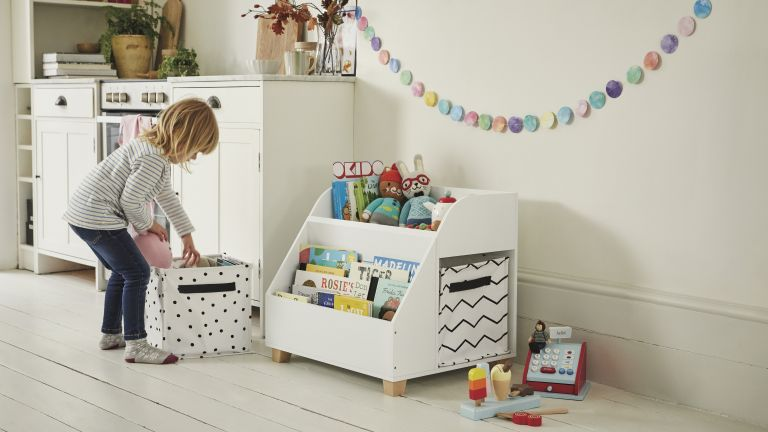 Nursery storage: Gulliver Toy Box & Book Shelf combo from GLTC