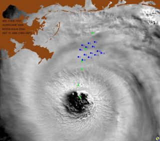 Hurricane's Waves Soared to Nearly 100 Feet | Live Science