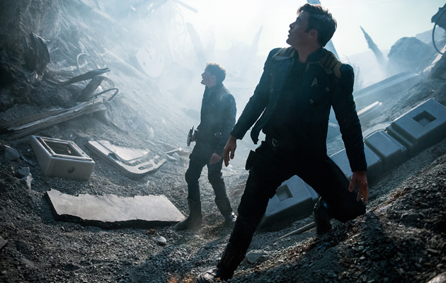 Star Trek Beyond Anton Yelchin Chris Pine