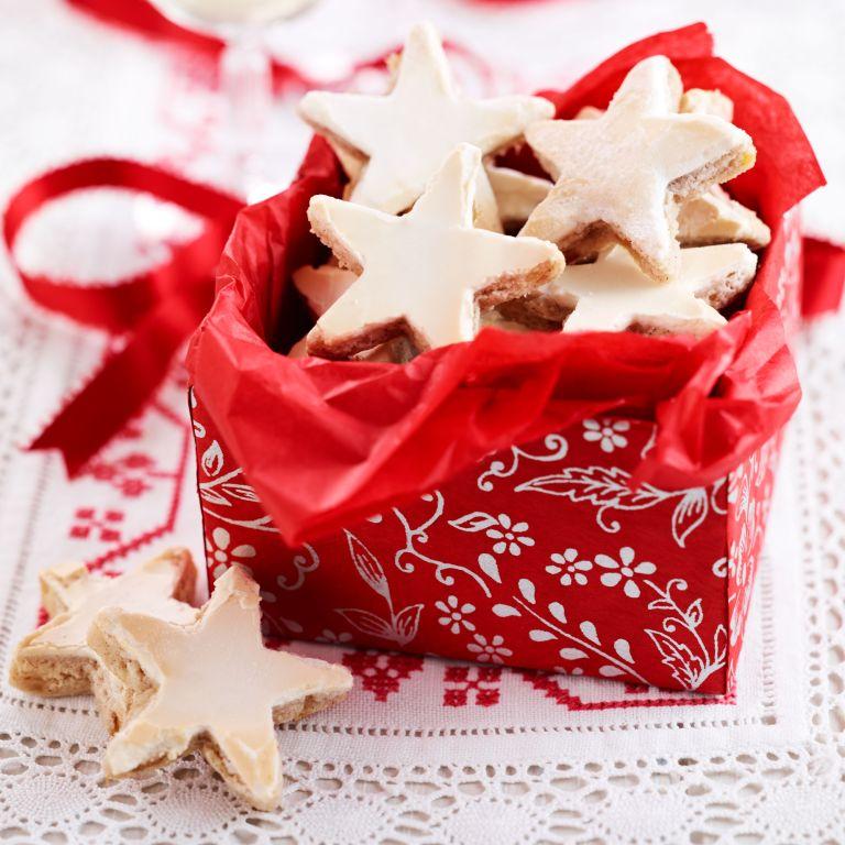 German-cinnamon-stars-recipe-baking-photo