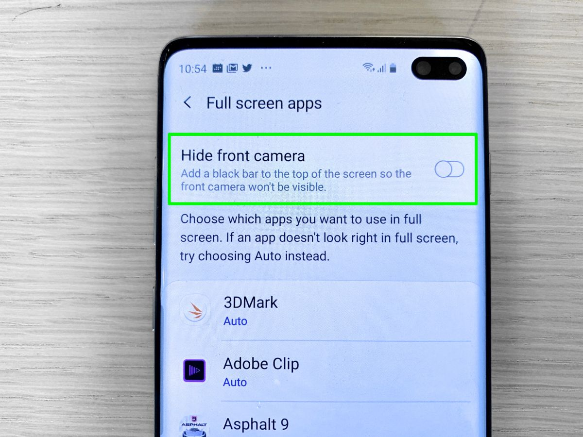 Here's How to Hide Punch-Hole Cameras on Galaxy S10 Phones