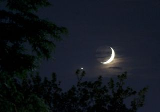 Venus and the crescent moon, as seen in July 2018.