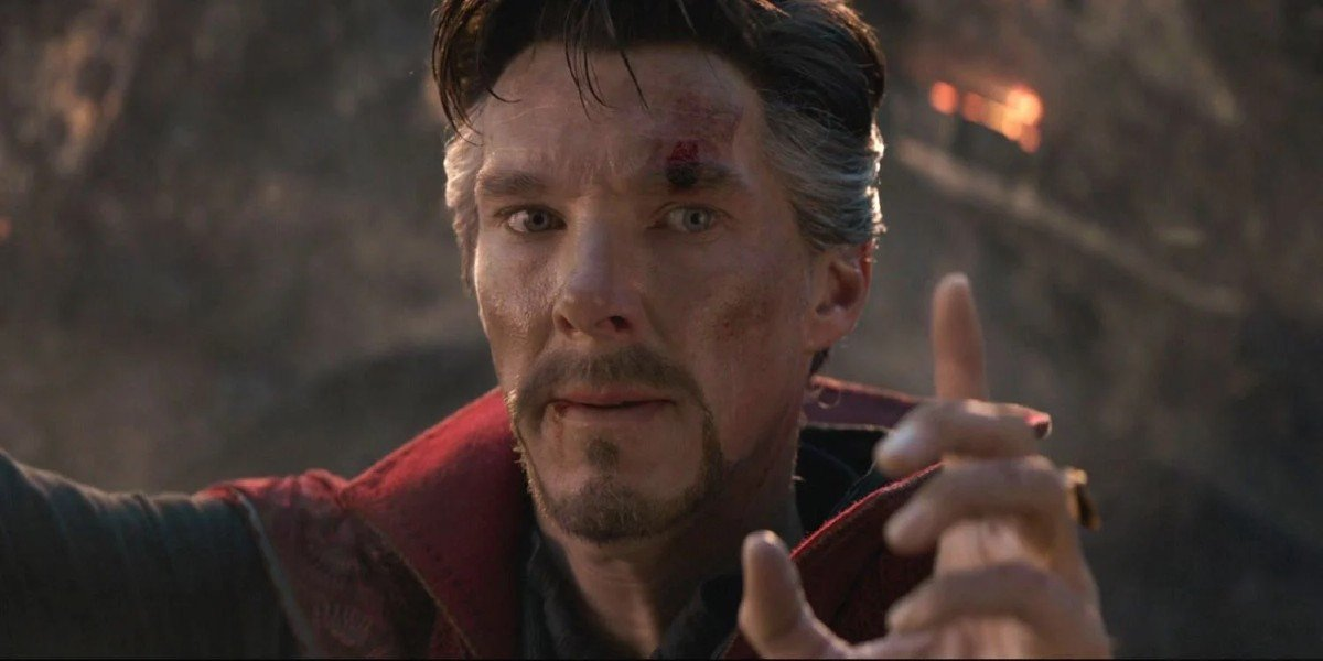 Avengers: Endgame Benedict Cumberbatch preparing to give a signal