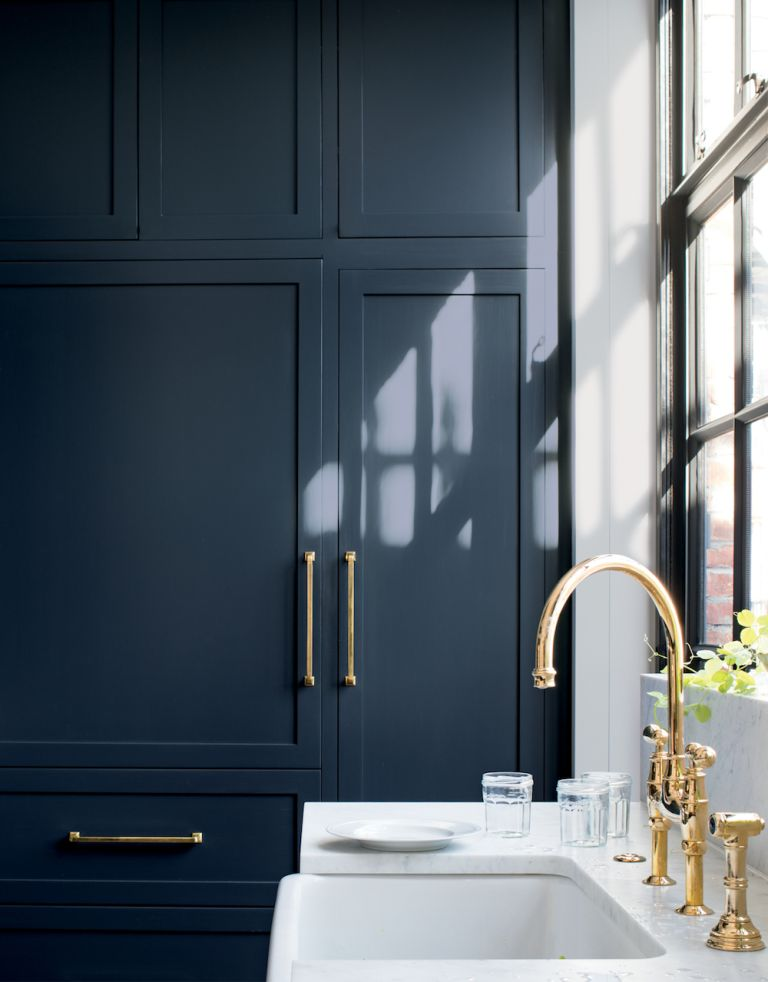popular paint colour blue in kitchen