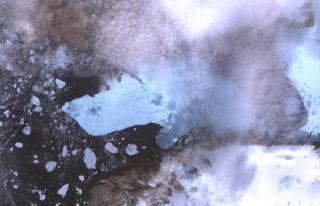 nasa-petermann-glacier-100813-02