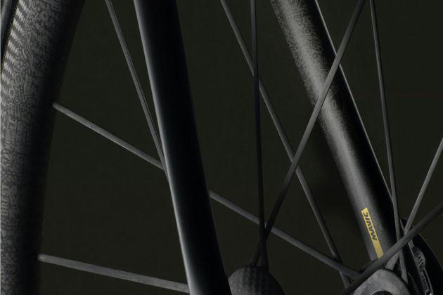 Romain Bardet to ride Mavic TDF limited edition shoes and wheels ... 52661fd8b