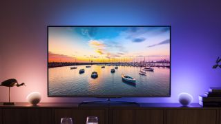 Philips Hue Behind Tv.Philips Hue Sync App Transforms Video Into A Brilliant Light