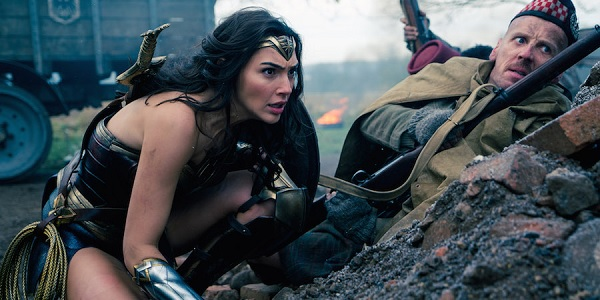 Wonder Woman Gal Gadot Ewen Bremner Hiding