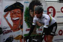 Mark Cavendish (Team Sky) arrives to sign on