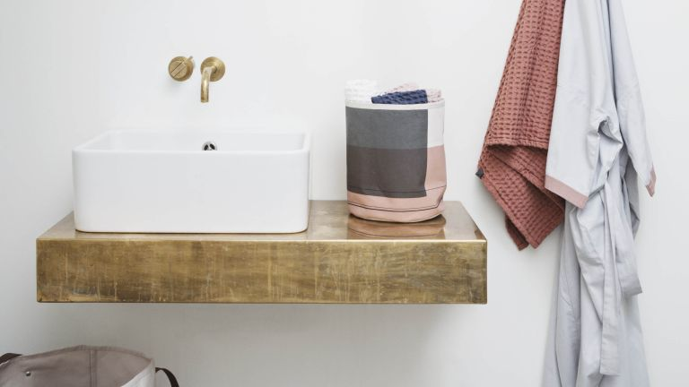 Small bathroom ideas: 17 clever ways to stretch your space ...