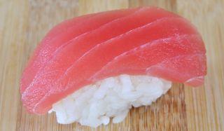 tuna-sushi-110201-02