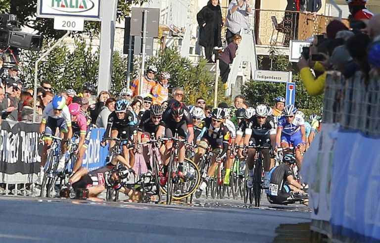 A crash in the finishing straight of Stage 2 of the 2015 Tirreno-Adriatico (Watson)