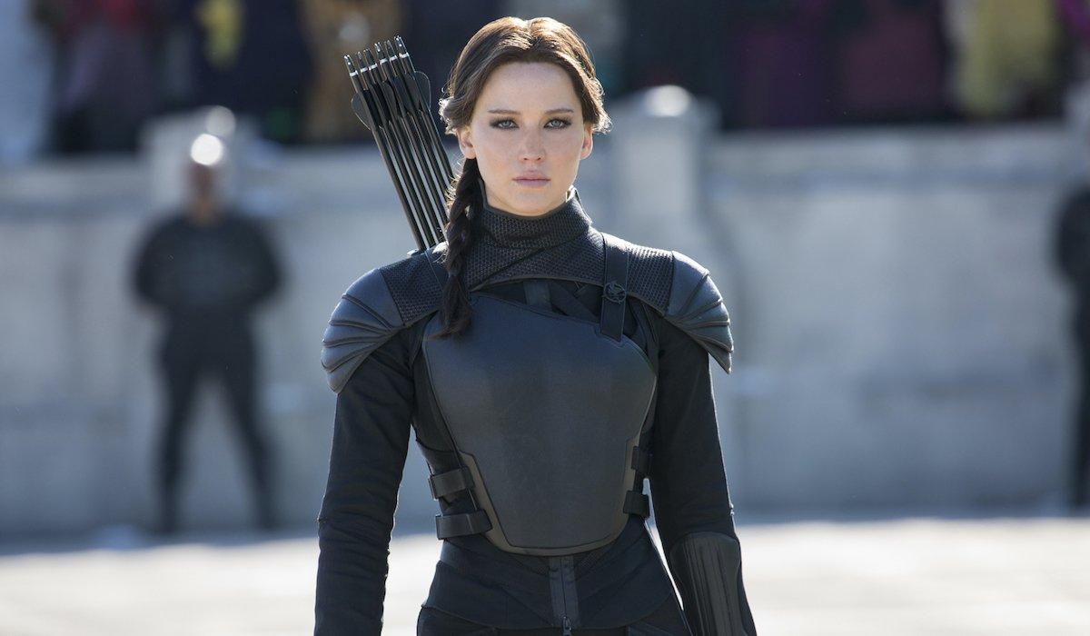 Jennifer Lawrence as Katniss Everdeen in Hunger Games Mockingjay Part 2 ending