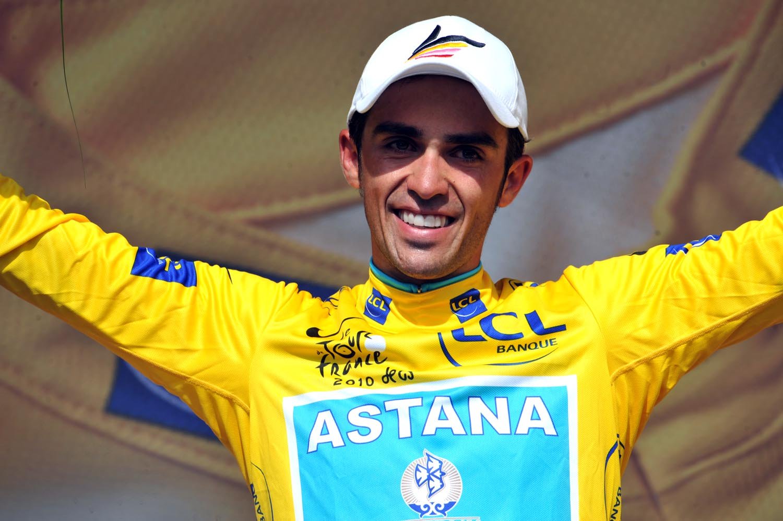 Alberto Contador on podium, Tour de France 2010 stage 19