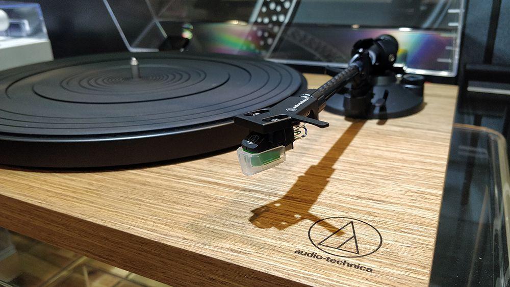 Kết quả hình ảnh cho Audio-Technica AT-LPW40WN