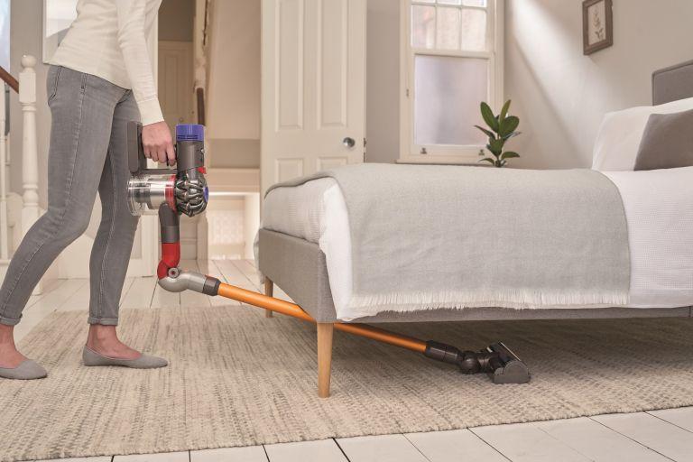 best vacuum cleaner: Dyson V8