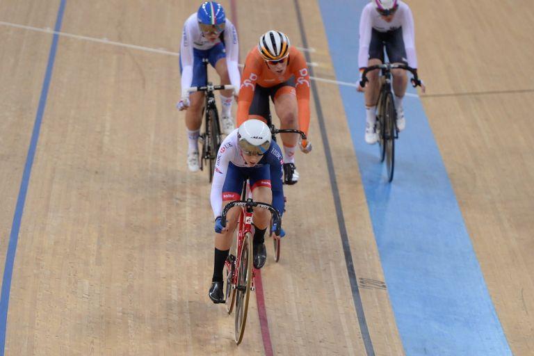 Picture by SWpix.com - 12/04/2017 - Cycling - 2017 UCI Track Cycling World Championships, Day 1 - Hong Kong Velodrome, Tseung Kwan O, Hong Kong - Woman's Scratch Race Final - BARKER Elinor of Great Britain.