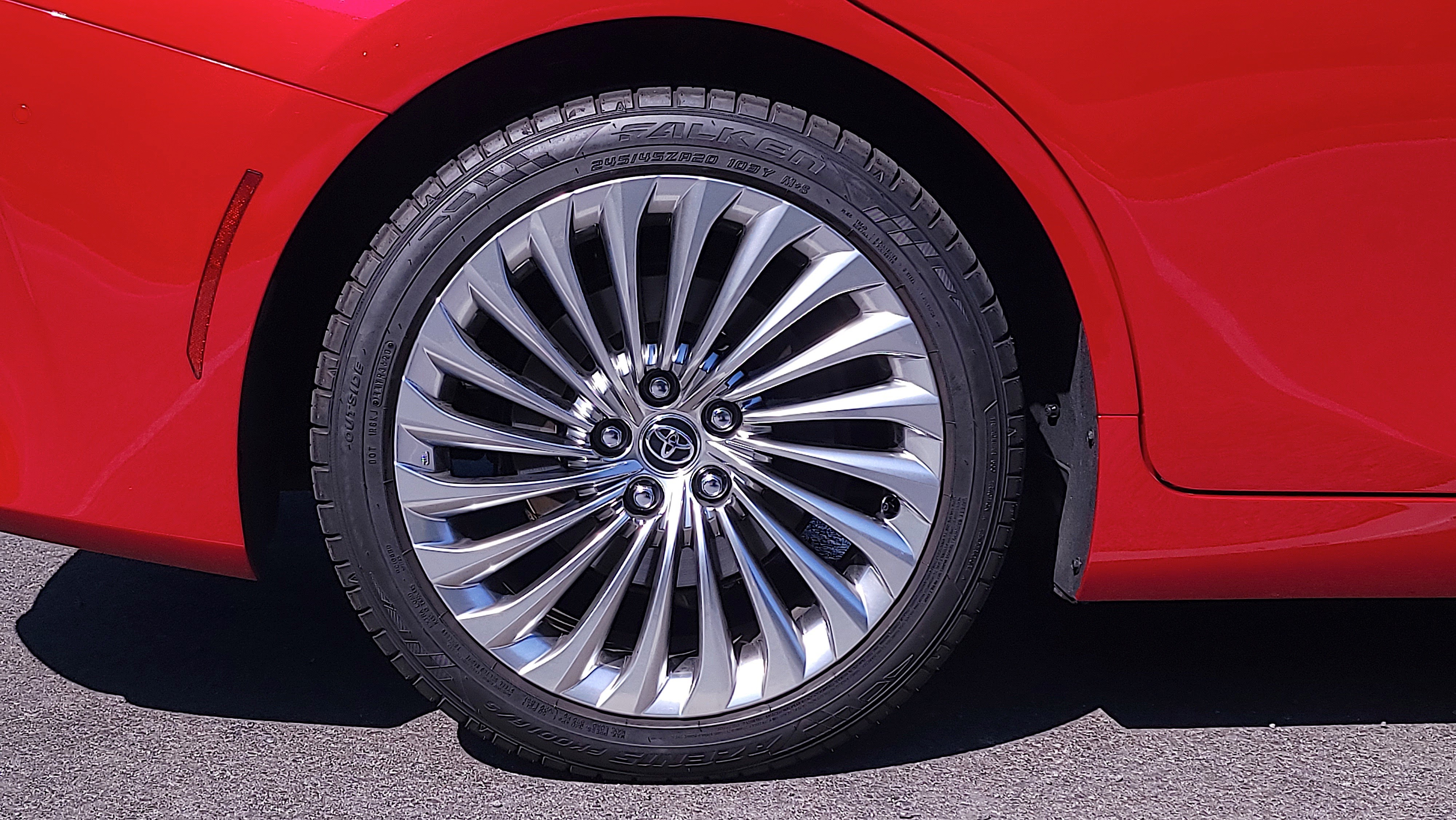 A view of one of the alloy wheels on the Mirai (2021)