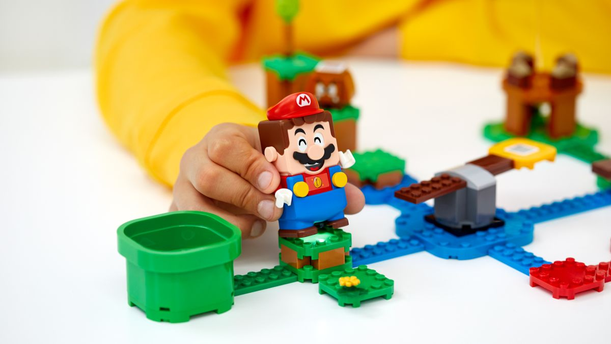 Lego Super Mario is Super Mario Maker meets Labo and it's pure joy thumbnail