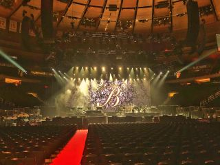 d&b line arrays at Barbra Streisand's Madison Square Garden concert