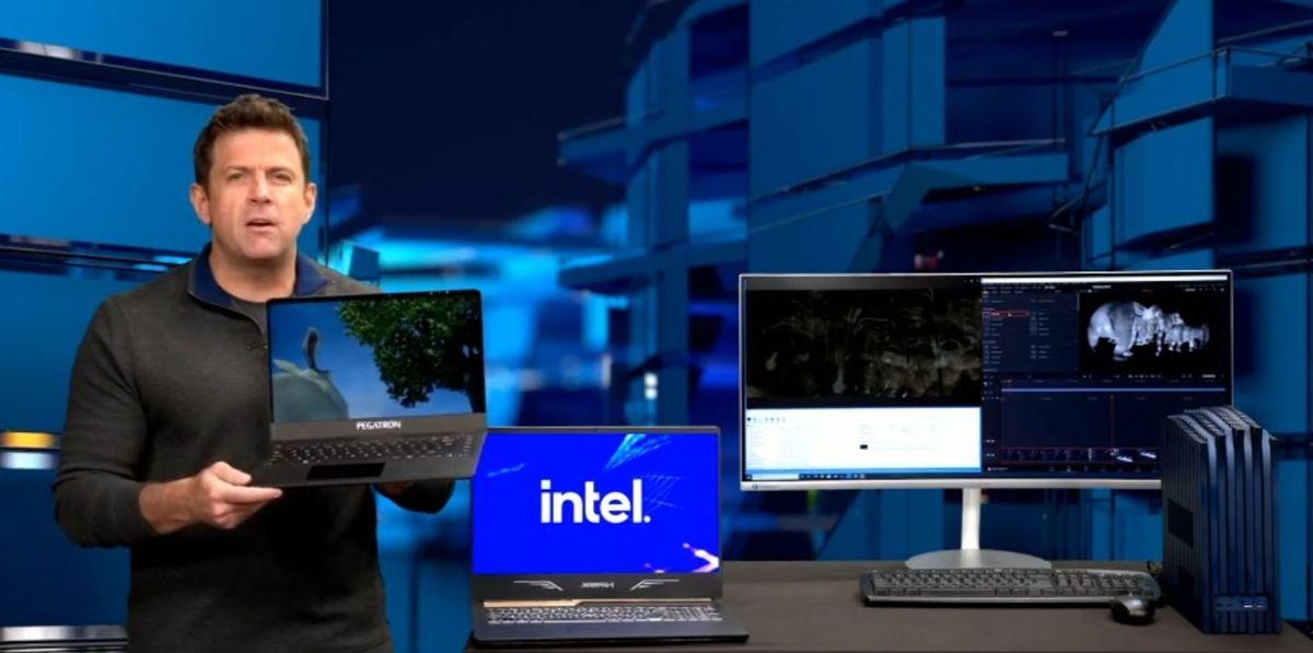 Intel Demos Alder Lake Mobile Laptop, Chips Sampling to Customers