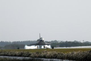 Space Shuttle Discovery Returns to Earth Safely