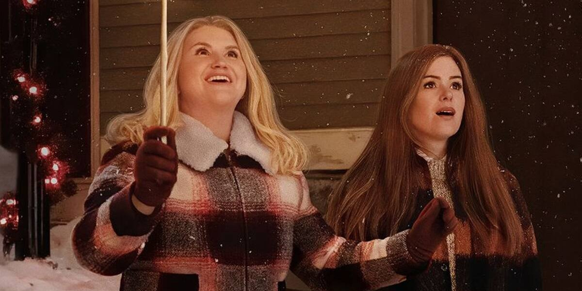 Jillian Bell and Isla Fisher in Godmothered