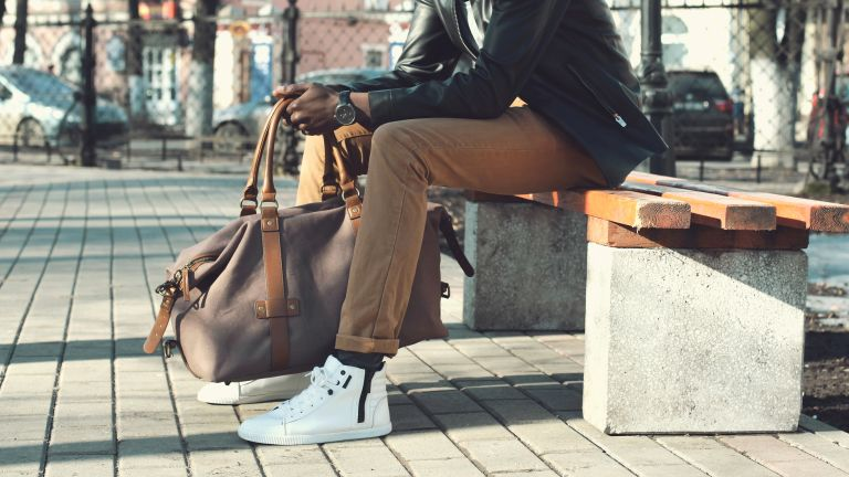 How to match sneakers to your outfit: 9 essential tips