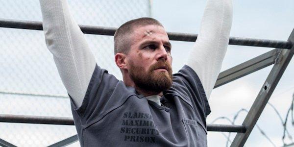 oliver in jail arrow season 7